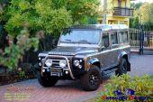 Land_Rover_Defender_orurowa