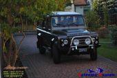 Land_Rover_Defender_orurowa_a